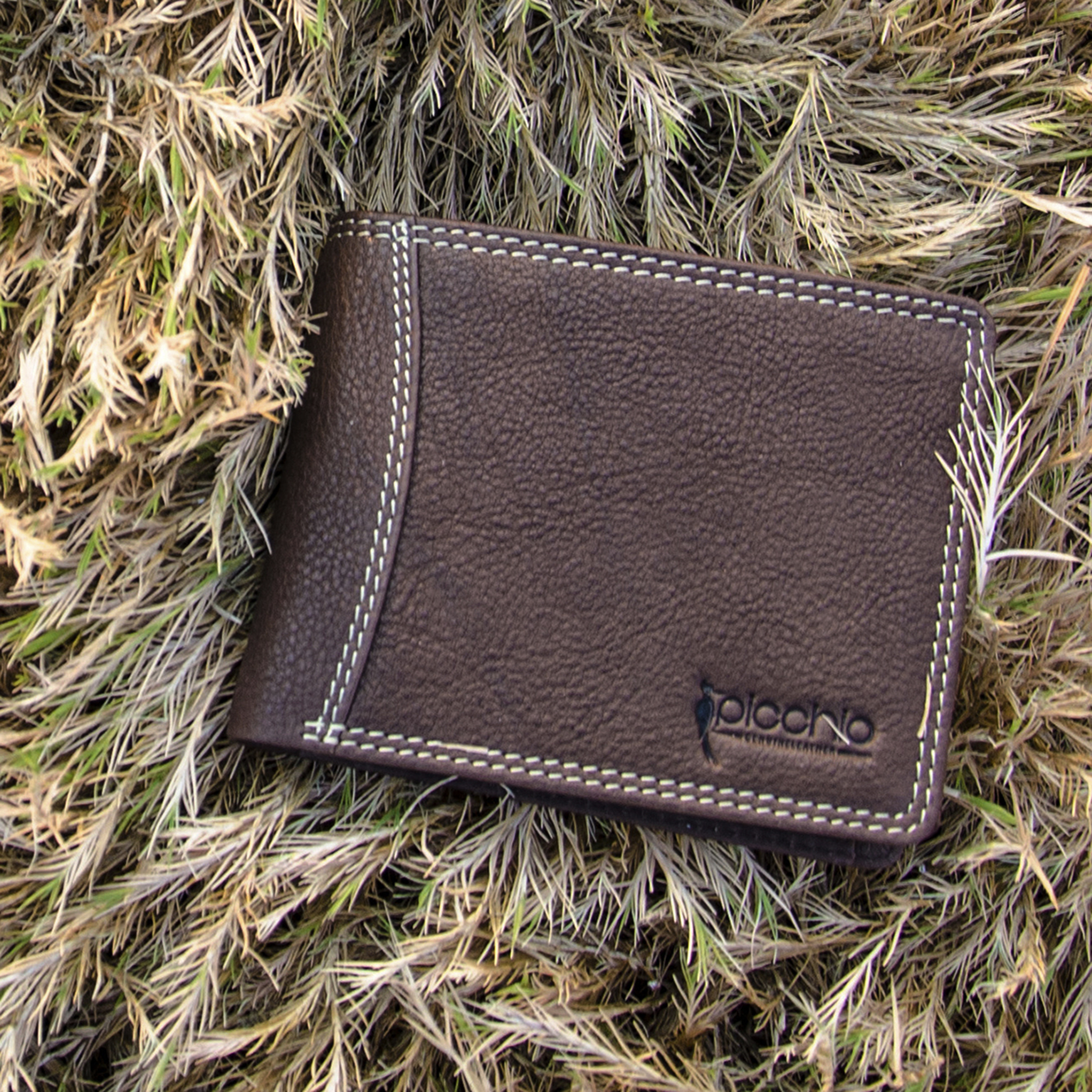 wallet photography 3 croped 2500 pixels